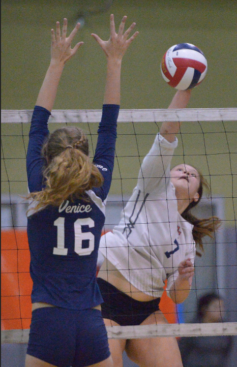 Venice #16 Kara Rose defends the ball against Chatsworth #7 Tinei suitonu.