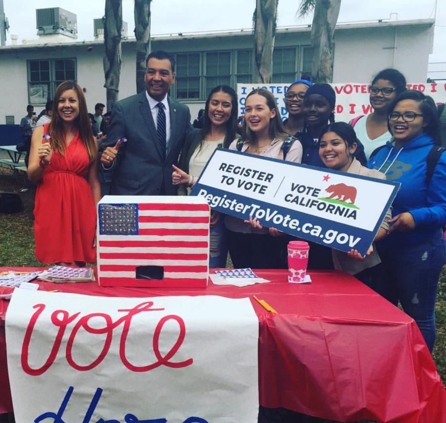 Venice High School student pose with Secretary of State Alex Padilla during the Mock Election