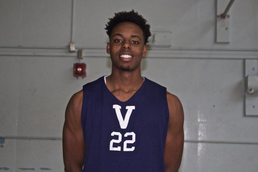Meka Nwiwu, #22 on Venice High Schools Varsity Basketball