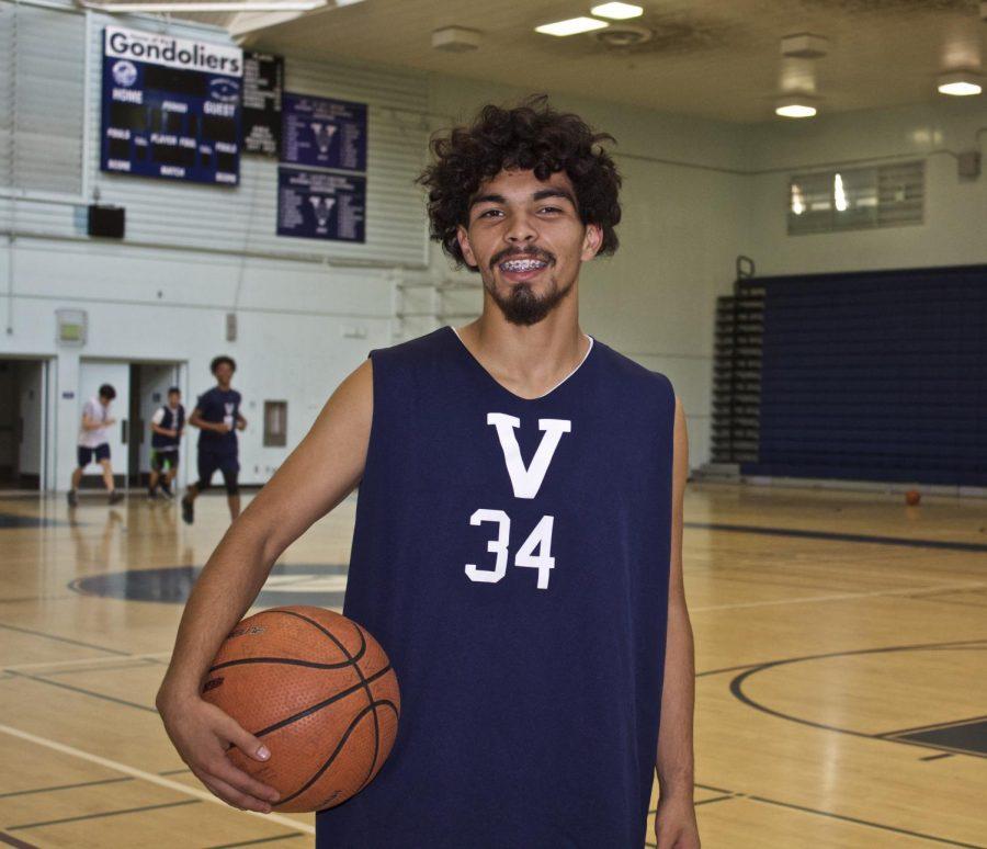 Saul Uribe, #34 on Venice High Schools Varsity Basketball