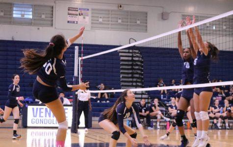 Girls Varsity Volleyball Head to Playoffs