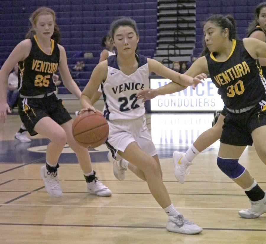 Girls+Basketball+Struggles+in+the+Beginning+of+Season