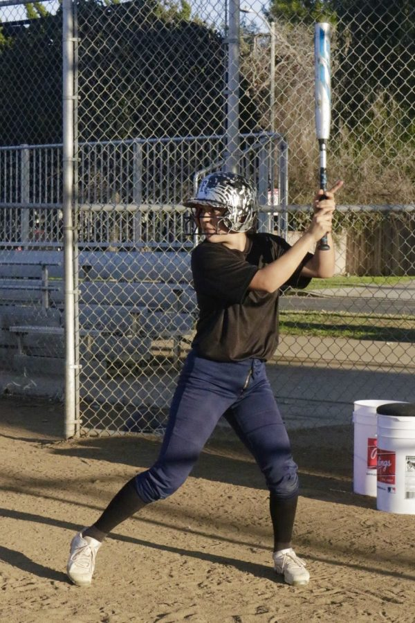Girls%27+Softball+Team+Readies+For+A+New+Season%21