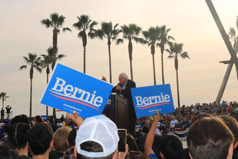 Bernie Sanders looking splendiferous and promoting campaign at his Venice Beach rally.