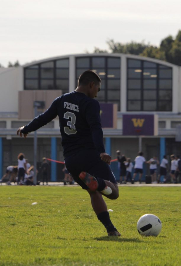 Boys Soccer Kicked Out Of Playoffs In First Round Loss To Van Nuys